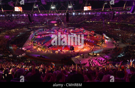12th Aug 2012. 12.08.2012. London, England A General view of the Olympic Stadium during the Closing Ceremony of - Stock Photo