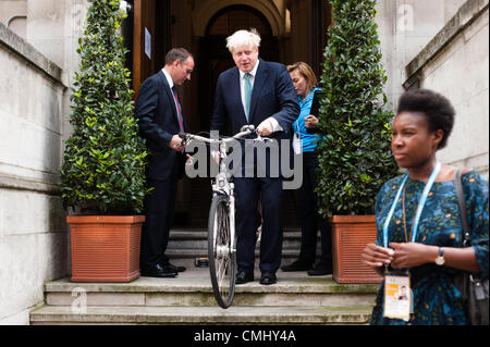 London, UK – 13 August 2012: Boris Johnson during the final press conference of the Olympic Games to discuss the - Stock Photo