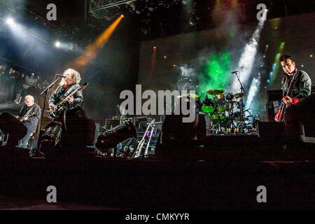 New Orleans, Louisiana, USA. 3rd Nov, 2013. The Cure performing at Voodoo Music and Arts Experience in New Orleans. - Stock Photo