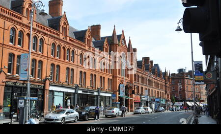 The first purpose built Victorian Shopping Centre in Dublin was the red-bricked indoor market of stalls and stores - Stock Photo