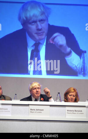London, UK. 5th November 2013. Boris Johnson meets the Londoners at People's Question Time held at Imperial College - Stock Photo