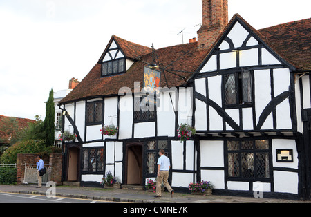 The Kings Arms hotel & pub in High Street Amersham in Buckinghamshire - Stock Photo