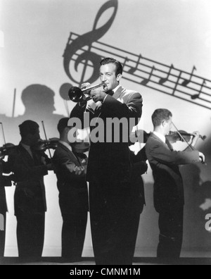 HARRY JAMES (1916-1983) US bandleader in 1943 - Stock Photo