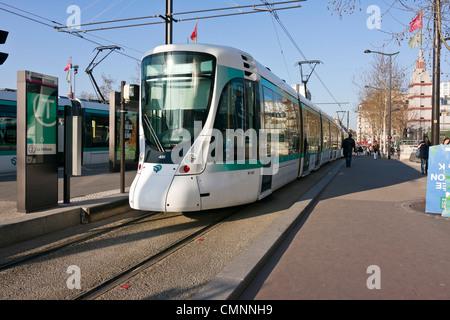 paris tramway t2 stock photo royalty free image 29963562 alamy. Black Bedroom Furniture Sets. Home Design Ideas