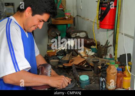 Shoe Repair Shop In Spanish
