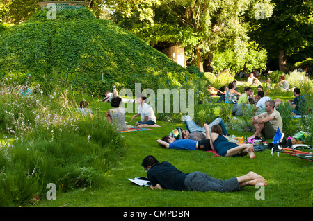 Bercy Park, 'Paris Rive Gauche' neighborhood, Paris, France - Stock Photo