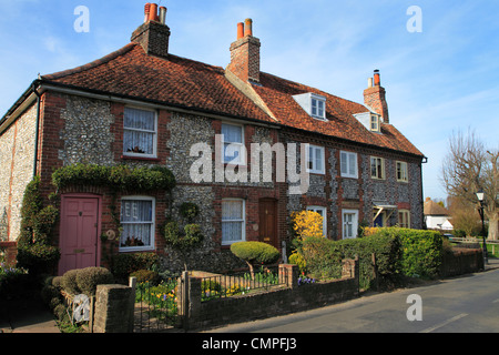 Row of traditional brick and flint cottages, Downe, Kent UK - Stock Photo