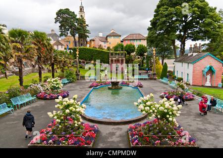 Portmeirion gardens, Wales, UK - Stock Photo