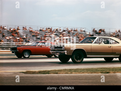 1970 1970s 2 CARS DRAG RACING GRANDSTAND RACE SPEED COMPETITION AUTOMOTIVE BROWNSVILLE INDIANA RACEWAY RETRO - Stock Photo
