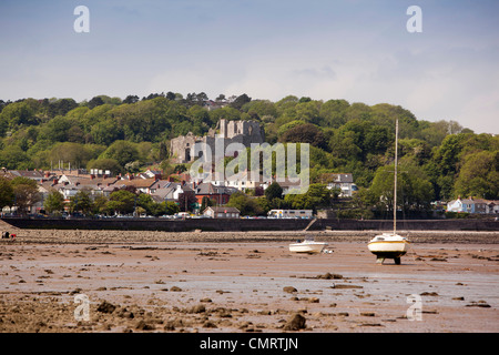 UK, Wales, Swansea, Mumbles, Oystermouth castle above the beach - Stock Photo