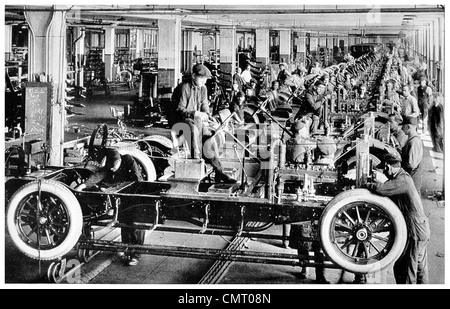 1923 Automobile car factory final assembly line New York - Stock Photo