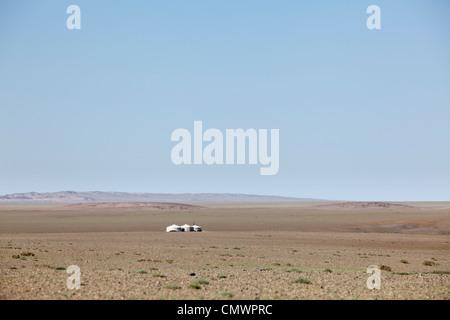 Ger (yurt) in middle of Gobi desert, Mongolia - Stock Photo