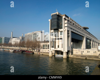 Ministry of Finance and water entrance, Pont de Bercy, Seine, Paris, France, Europe - Stock Photo