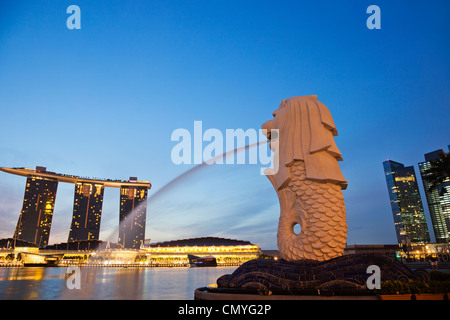 Singapore, Merlion Statue and Marina Bay Sands Hotel and Casino - Stock Photo