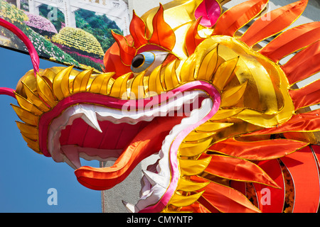 China, Hong Kong, Tsuen Wan, Yuen Yuen Institute, Chinese Dragon - Stock Photo