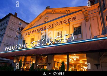 france rhone lyon restaurant la tour rose 22 rue du boeuf stock photo 35412677 alamy. Black Bedroom Furniture Sets. Home Design Ideas