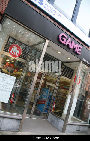 Game store on Dawson Street Dublin Ireland after it closed following the computer games group collapsed into administration - Stock Photo