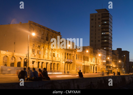 Malecon Promenade at sunset, Havanna, Cuba, Greater Antilles, Antilles, Carribean, West Indies, Central America, - Stock Photo