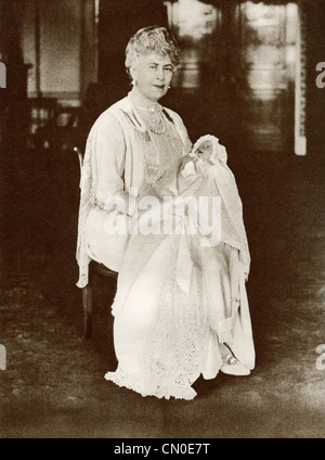 Mary of Teck, 1867 – 1953. Queen consort of the United Kingdom and the British Dominions, and Empress of India. - Stock Photo