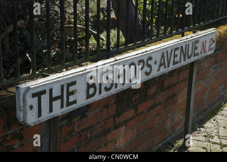The Bishops Avenue Hampstead north London N2 UK.  HOMER SYKES - Stock Photo