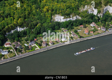 France, Eure, Le Bas Mauny below the village of La Bouille on the left bank of the Seine (aerial view) - Stock Photo