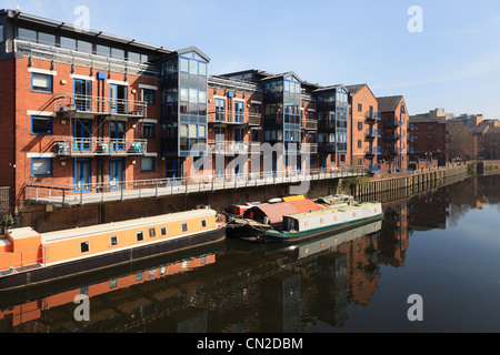 New waterfront apartments on redeveloped Langtons Wharf beside the River Aire. The Calls, Leeds, Yorkshire, England, - Stock Photo