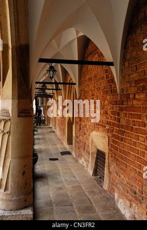 Poland, Lesser Poland region, Krakow, old town (Stare Miasto) listed as World Heritage by UNESCO, courtyard of the - Stock Photo