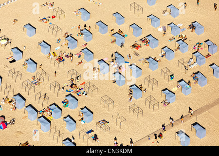 France, Gironde, Soulac sur Mer beach cabins (aerial view) - Stock Photo