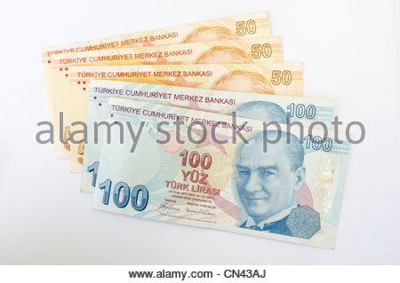 Turkish 50 and 100 lira bank notes - Stock Photo