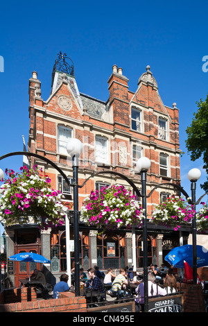 United Kingdom, London, Islington, Camden Walk, Camden Head pub founded in 1899 - Stock Photo