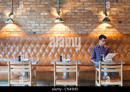 United Kingdom, London, Hackney, Shoreditch, Tea Building, Pizza East restaurant - Stock Photo
