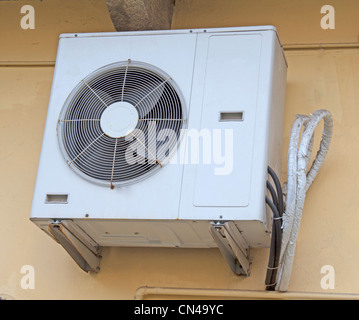 how to clean old style free standing air conditioner