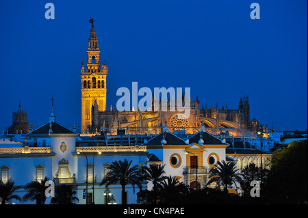 Spain, Andalucia, Seville, La Maestranza at fore (Plaza de toros) and the Cathedral with the Giralta tower at back, - Stock Photo