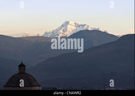 Peru, Cuzco province, Cuzco, listed as World Heritage by UNESCO, the snowy peaks of Ausangate (6372m) and the dome - Stock Photo