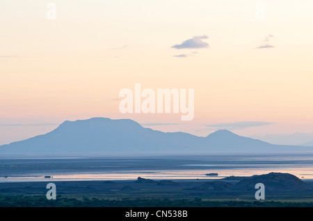 Tanzania, Arusha Region, Rift Valley, the lake Natron at sunrise - Stock Photo