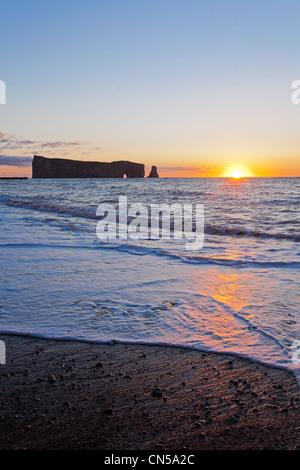 Canada, Quebec Province, Gaspe Peninsula, Perce and its famous Rocher Perce (Perce Rock), sunrise - Stock Photo