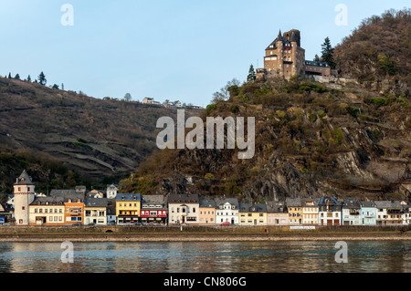 St. Goarshausen, Rhine River and Burg Katz in UNESCO listed 'Upper Middle Rhine Valley', Rhineland Palatinate, Germany. - Stock Photo