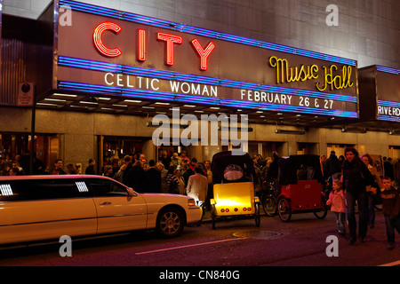 United States, New York City, Manhattan, Midtown, line in front of City Music hall - Stock Photo