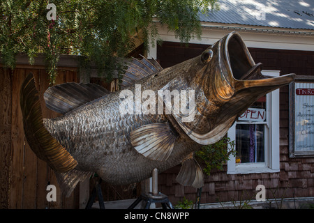 A large metal sculpture of a fish in the small Central California town of Los Olivos - Stock Photo