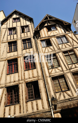 France, Paris, the Seine river banks listed as World Heritage by UNESCO, rue Francois Miron, the oldest houses in - Stock Photo