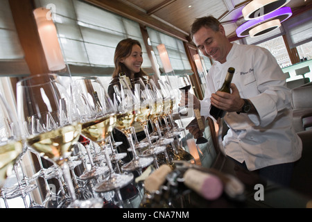 France, Haute Savoie, Chamonix, tasting wine selection at the bar of the Savoy Restaurant Albert 1er with Pierre - Stock Photo