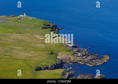 United Kingdom, Scotland, Highland, the east coast of Caithness north of Wick and the Noss Head Lighthouse (aerial - Stock Photo