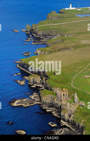 United Kingdom, Scotland, Highland, Castle Sinclair Girnigoe located north of Wick on the east coast of Caithness - Stock Photo