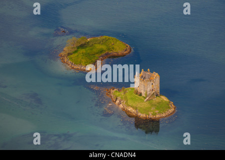 United Kingdom, Scotland, Highland, Port Appin, Castle Stalker is a four-storey tower house or keep picturesquely - Stock Photo