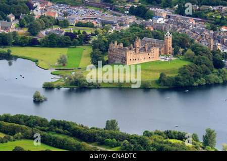 United Kingdom, Scotland, West Lothian, Linlithgow Palace beside Linlithgow Loch was one of the principal residences - Stock Photo