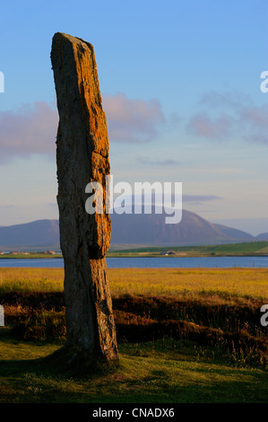 United Kingdom, Scotland, Orkney Islands, Mainland Island, beside the Loch of Stenness, standing stones (stone circle) - Stock Photo