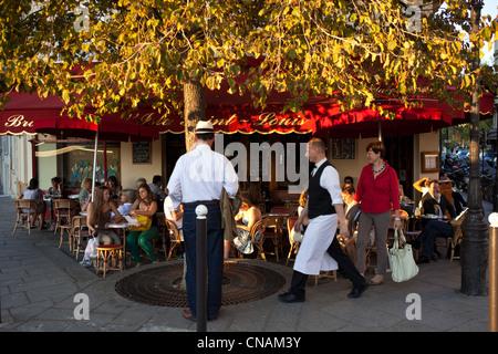 France, Paris, the Ile Saint Louis, cafe restaurant - Stock Photo