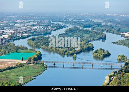 France, Loire-Atlantique, La Chapelle Basse Mer, Mauves bridge and Buzay island on the Loire river (aerial photography) - Stock Photo