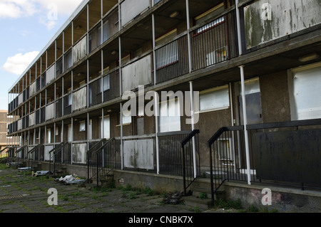 Condemned property in Sighthill Edinburgh. - Stock Photo