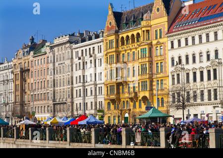 Austria, Vienna, Linke Wienzeile, Naschmarkt, Food Market dating back to the 18th century, Flea Market, building - Stock Photo